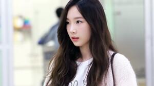 Asian Women Kim Taeyeon Brunette Black Hair Wavy Hair Brown Eyes Looking Away 3000x2000 Wallpaper
