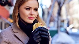 Kristina Bazan Women Celebrity Blonde Black Gloves Gloves Smiling Red Lipstick Makeup Coats Cookies 1350x901 Wallpaper