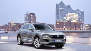 Car Luxury Car Suv Silver Car Vehicle Volkswagen Volkswagen Touareg 4096x2731 Wallpaper