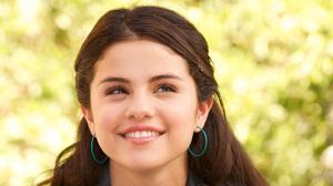 Selena Gomez 3280x1845 Wallpaper