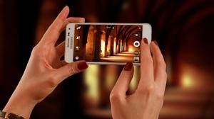 Samsung Phone Artistic Hand 4288x2848 wallpaper