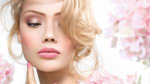 Blonde Face Girl Lipstick Mood Woman 1920x1458 wallpaper