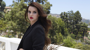 Singer American Lipstick Brunette Long Hair 2000x1333 Wallpaper