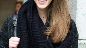 Pauline Hoarau Women Model French Women Brunette Women Outdoors 912x1280 wallpaper