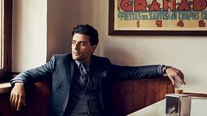 Oscar Isaac Actor American Suit 2000x1529 Wallpaper
