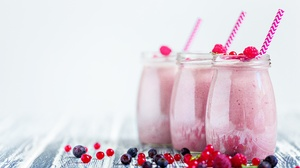 Berry Drink Smoothie 5184x3456 Wallpaper