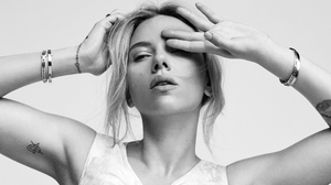 Actress American Black Amp White Girl Scarlett Johansson 4000x2250 Wallpaper
