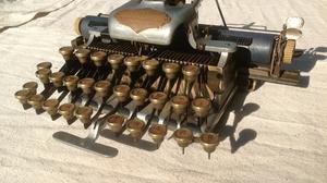 Man Made Typewriter 2600x1942 Wallpaper