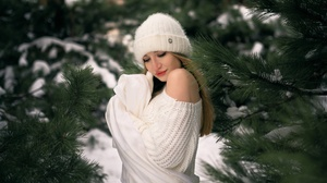 Women Trees Cold Winter Snow Hat Women With Hats Women Outdoors Outdoors Blonde Model Pine Trees 2048x1367 Wallpaper