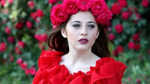 Black Hair Blue Eyes Flower Girl Lipstick Model Woman Wreath 4272x2848 Wallpaper