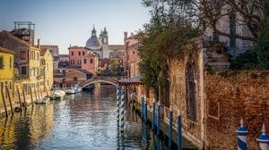 Boat Bridge Canal City House Italy Venice 2125x1666 Wallpaper