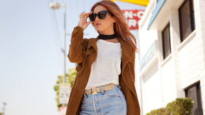 Depth Of Field Sunglasses American Singer Actress 2048x1365 Wallpaper