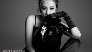 K A R D K Pop Jiwoo Asian Makeup Women Music Looking At Viewer Gray Background Simple Background Glo 1800x1200 Wallpaper