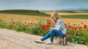 Field Flower Poppy Jeans Blonde Suitcase 3840x2160 Wallpaper