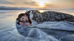 Asian Women Women Outdoors Outdoors Winter Cold Ice Sunlight 3840x2160 Wallpaper