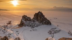 Snow Sunset People Rock 5916x3949 Wallpaper
