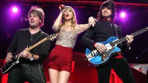 Taylor Swift 3000x2000 Wallpaper