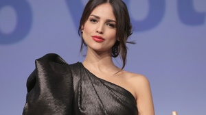 Actress Mexican Black Hair Brown Eyes Lipstick 3000x2000 Wallpaper