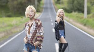 Asian Singer K Pop Mamamoo Band Korean Blonde Long Hair Brown Eyes Shorts Road Depth Of Field 1920x1080 Wallpaper