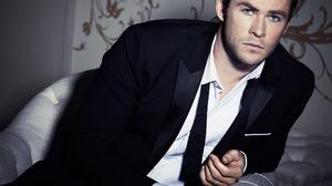 Actor Australian Blue Eyes Chris Hemsworth Suit 2064x1500 Wallpaper