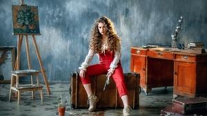 Brunette Brush Curl Girl Model Suitcase Woman 2100x1400 Wallpaper