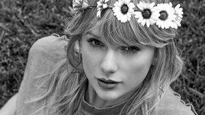 Taylor Swift Women Singer Blonde Long Hair Flowers Grass Women Outdoors Monochrome 1513x2048 Wallpaper