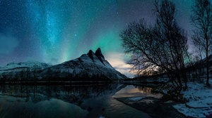 Aurora Borealis Lake Mountain Night Reflection Snow Starry Sky Winter 2048x1440 wallpaper