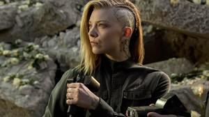 Hunger Games Cressida Side Shave Women Natalie Dormer 1366x768 Wallpaper