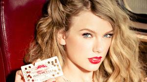 American Singer Blonde Lipstick Blue Eyes Close Up Face 4096x2304 Wallpaper