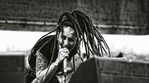 Jinjer Tatyana Shmayluk Metal Music Metal Band Dreadlocks Singing Screaming Women Face Monochrome Pi 2560x1696 wallpaper