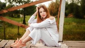 Women Model Sitting Looking At Viewer Women Outdoors Outdoors Long Hair Red Lipstick 2500x1655 Wallpaper
