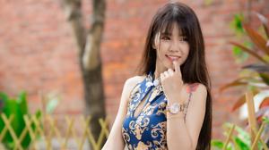 Model Smile Long Hair Brunette Tattoo Depth Of Field 2560x2045 wallpaper