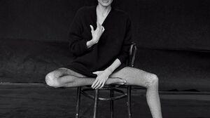 Angelina Jolie Women Legs Chair Studio Women Indoors Indoors Looking At Viewer Tiptoe Actress Celebr 2576x3000 Wallpaper
