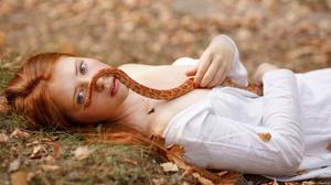 Face Girl Model Mood Redhead Snake 2560x1707 Wallpaper