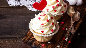 Cream Cupcake Heart Still Life Sweets 2100x1372 Wallpaper