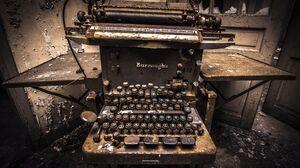 Man Made Typewriter 5777x3865 Wallpaper