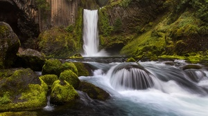 Cliff Moss Nature River Rock Waterfall 4912x3275 Wallpaper