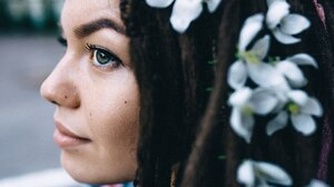 Women Model Brunette Profile Portrait Dreadlocks White Flowers Flower In Hair 1800x1202 Wallpaper