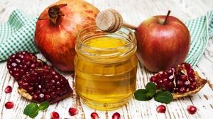 Honey Pomegranate Still Life 2000x1335 wallpaper