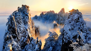 Fog Horizon Mountain Nature Peak Sunrise Winter 2500x1625 Wallpaper