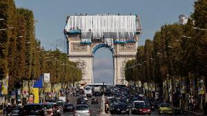 Architecture Artwork Paris Arc De Triomphe France Christo Wrapped Photography People Street Street A 1398x900 Wallpaper