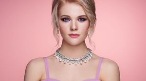 Blonde Blue Eyes Face Girl Model Necklace Woman 2000x1500 Wallpaper