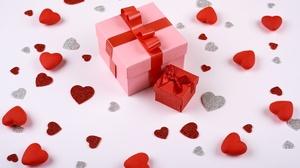 Gift Heart 5676x3784 Wallpaper