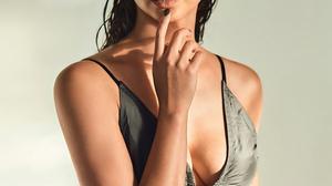 Morena Baccarin Women Actress Wet Hair Women Indoors 1000x1334 Wallpaper
