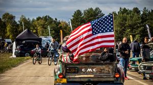 GMC Classic Car Pickup Trucks USA Families 3265x4898 Wallpaper