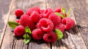 Berry Fruit Raspberry 8020x5347 wallpaper