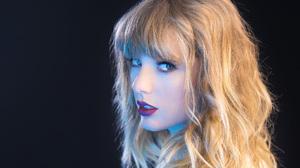 American Blonde Blue Eyes Face Lipstick Singer Taylor Swift 1920x1281 Wallpaper
