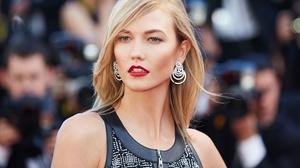 American Blonde Earrings Karlie Kloss Lipstick Model 4000x3000 Wallpaper
