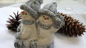 Christmas Figurine Pine Cone Snowman 5184x3456 Wallpaper