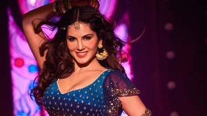 Actress Bollywood Brown Eyes Brunette Indian Model Sunny Leone Woman 2880x1800 Wallpaper